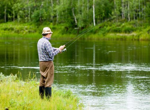 Рыбалка хороша не только самим процессом, но и пейзажами, в которых она имеет место быть