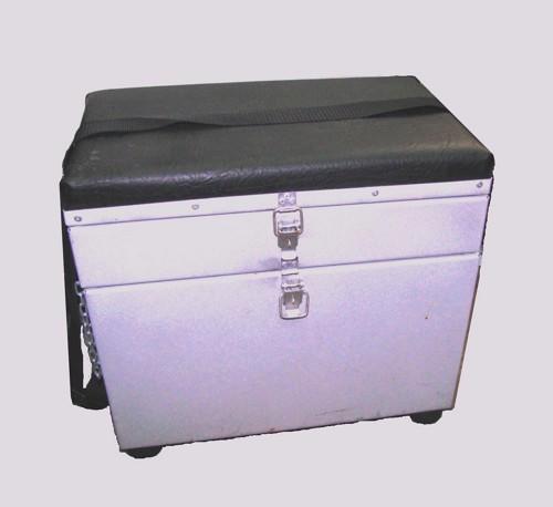 Металлический ящик для зимней рыбалки