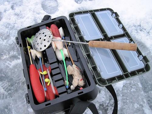 Модельный ящик для рыбалки в зимнее время