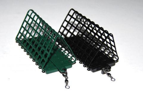 Треугольные формы фидерных кормушек