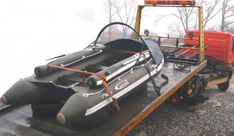 Транспортировка резиновой надувной лодки