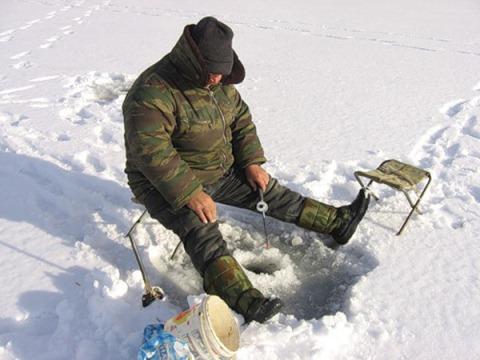 Зимняя рыбалка на чертика