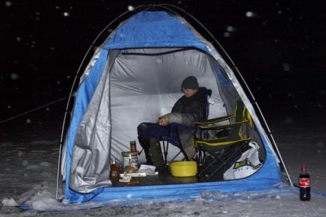 Ночная ловля зимой на льду